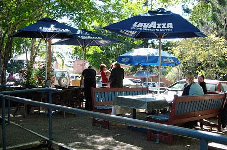 Cafe dining, Bellingen